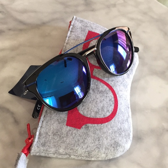 a3e06536c1e Lucky Brand Accessories - Lucky Brand Lakewood Style Sunglasses NWOT